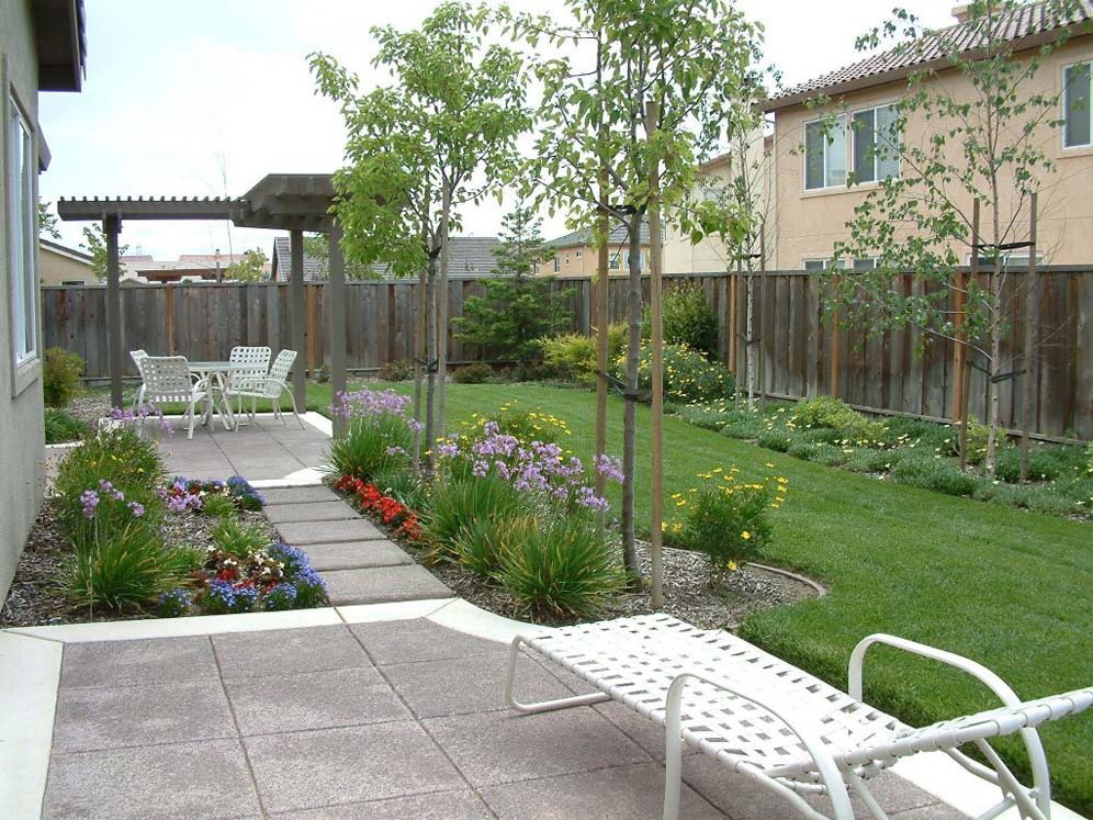 Delightful Townhouse Backyard